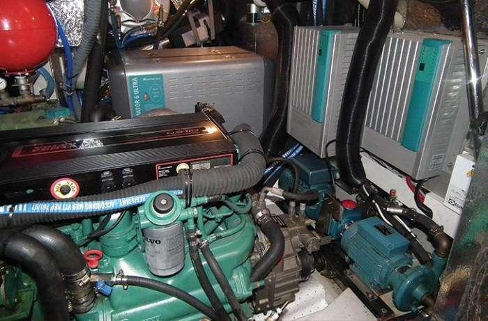 Hallberg-rassy-48-engine-room