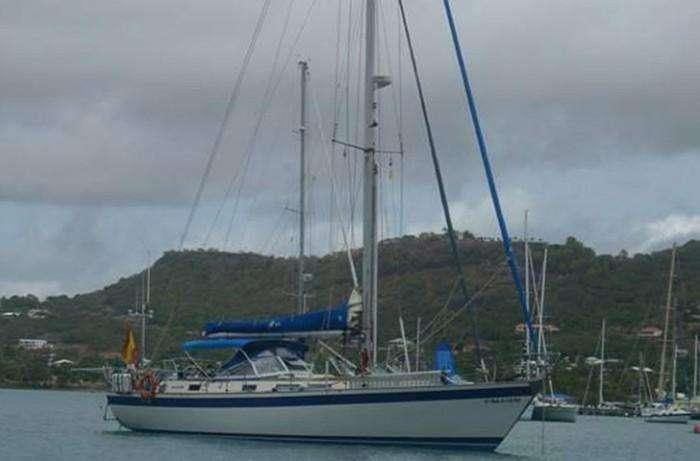 hallberg-rassy-45-victoria-w-moored