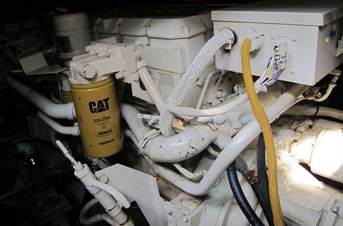 sunseeker-camargue-44-swell-engine-compartment