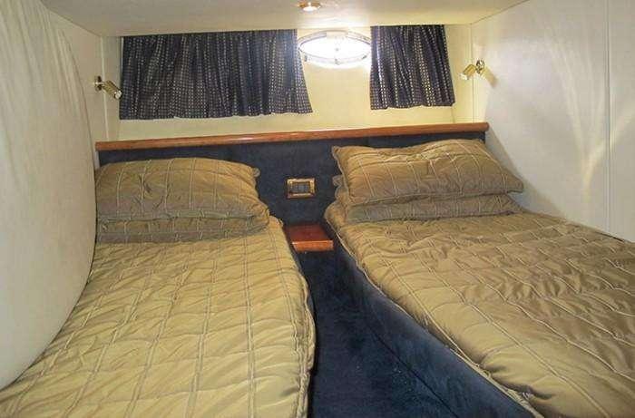 sunseeker-camargue-44-swell-guest-cabin