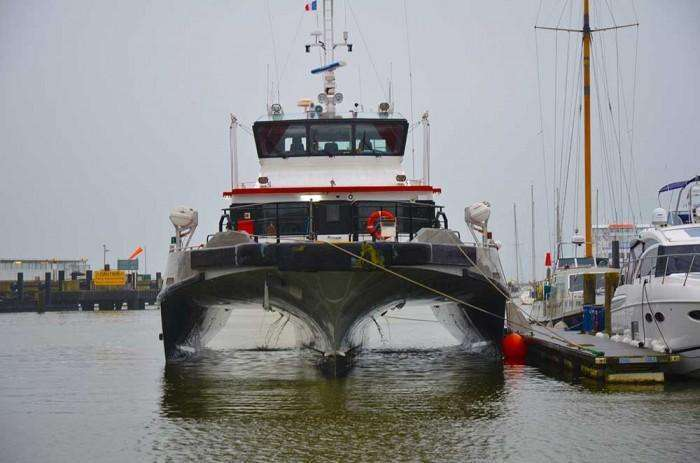 cable bay austel 27m tri swath offshore workboat