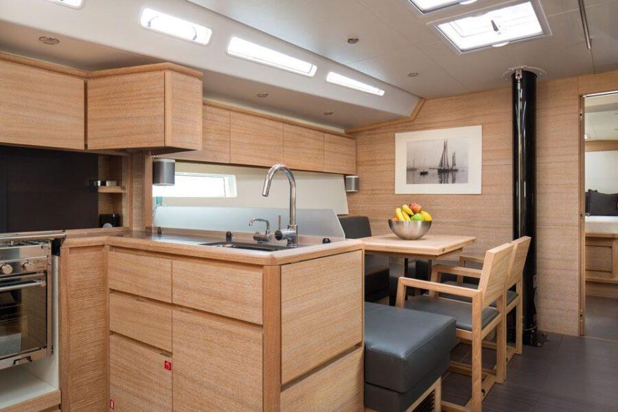 Solaris 50 Interior 11 Interior