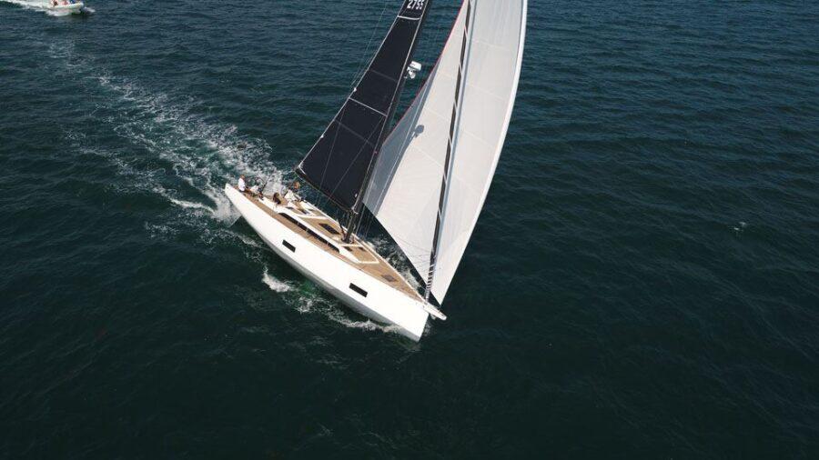 Solaris 44 Sailing 2 Exterior