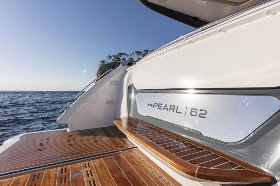 Pearl 62 Exterior 17 Exterior