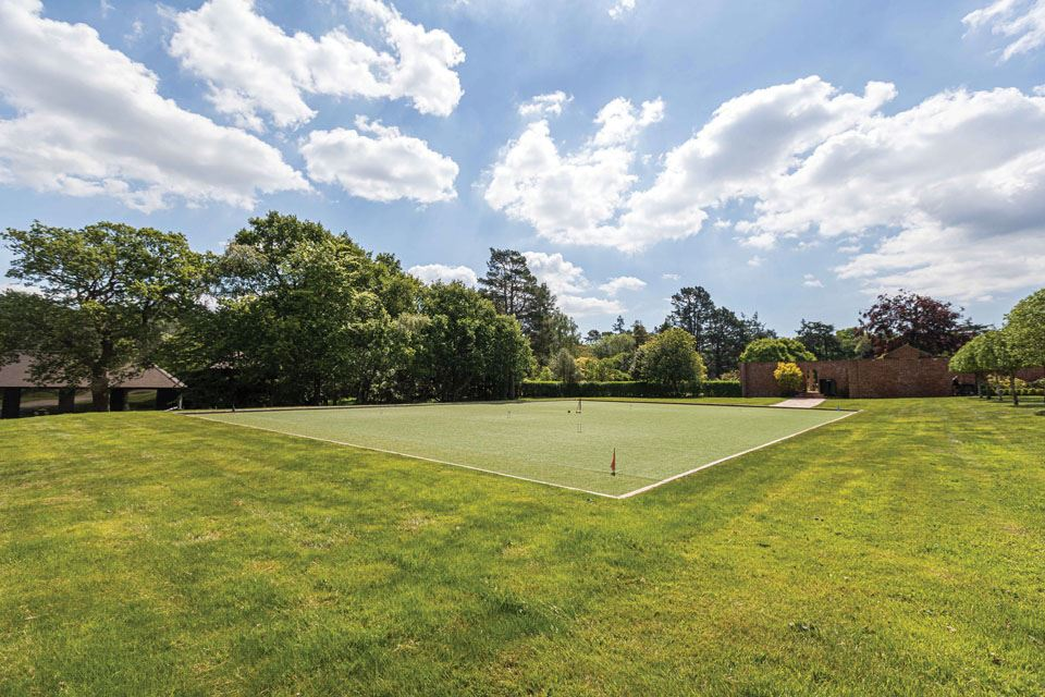 4-impressive-croquet-lawn