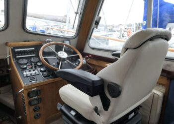 Lochin 38 Motor Cruiser 3