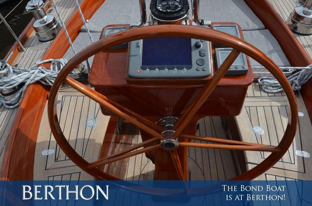 The Bond Boat is at Berthon!